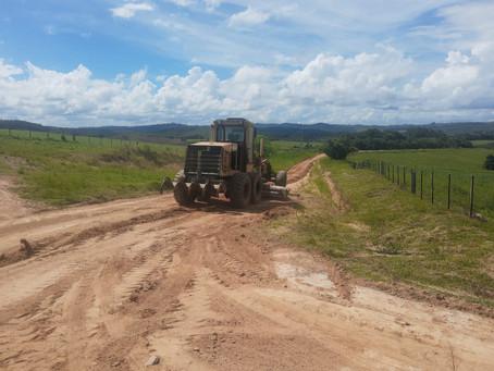 Manutenção em estradas rurais avança nos cinco Distritos de Piratini