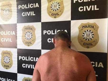 Ação policial prende homem que ameaçava pessoas com um facão