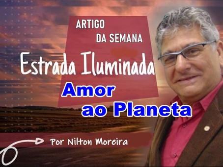 Coluna Estrada Iluminada: Amor ao Planeta