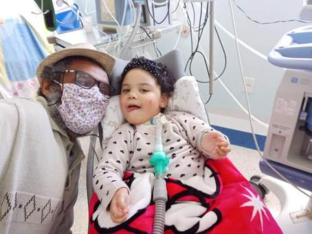 Justiça garante atendimento e menina Maria-Flor sai do hospital após quase três anos