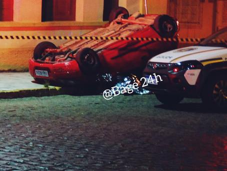 Veículo com placas de Piratini capota em Bagé e jovem de 14 anos morre no acidente