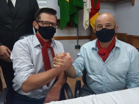 Câmara de Vereadores de Piratini dá posse a Márcio Porto e Cláudio Dias