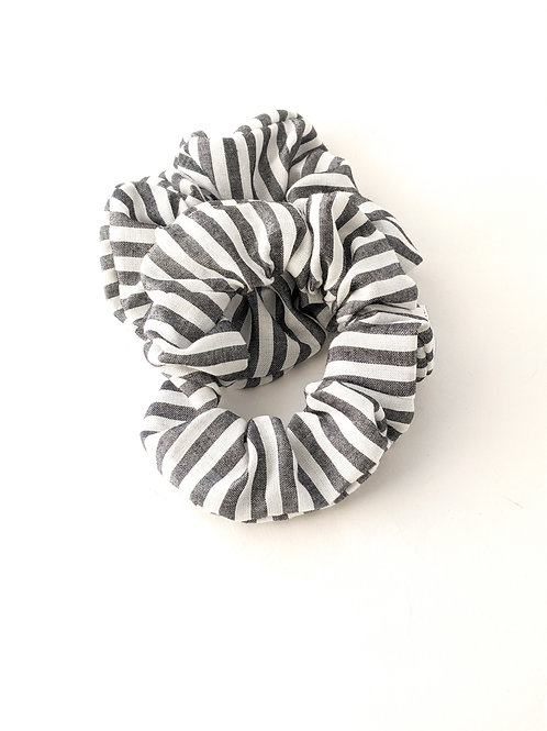 Gris Scrunchies - High Tails YYC