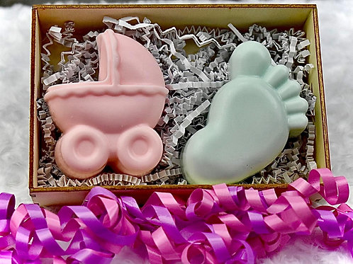 9. Pink Carriage and Mint Foot Gift Box