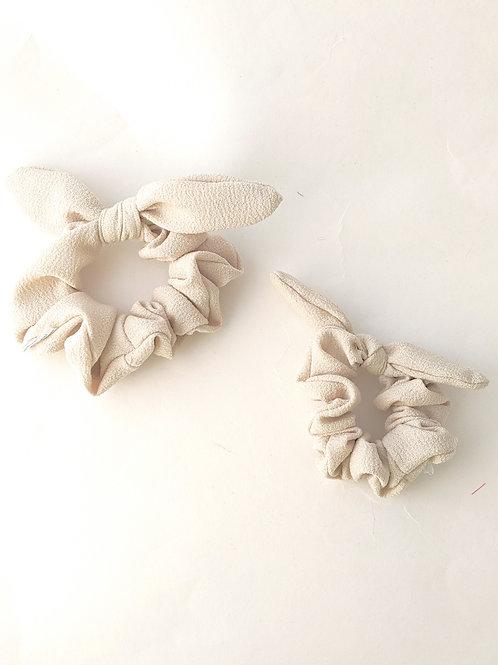 Vanilla Bow Scrunchies - High Tails YYC