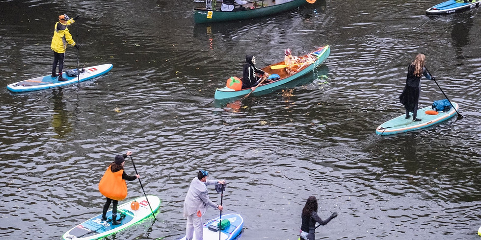 H&H Dawn of the Dead Halloween Fancy Dress Paddle