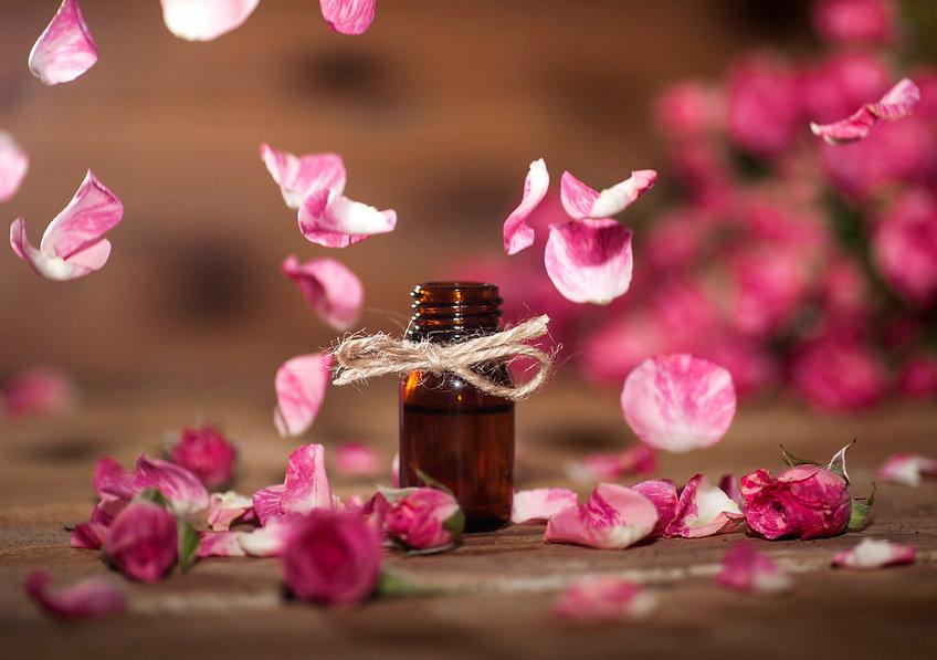 Rose-Essential-Oil-502639448_1223x861.jp