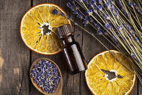Essential-oil-lavender-and-orange-dry-on
