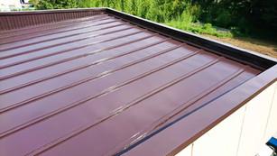 片流れトタン屋根7 上塗完了.jpg