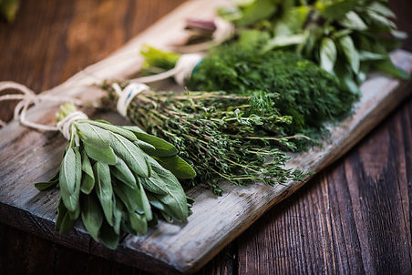 Basil,sage,dill,and-thyme-herbs-59893118