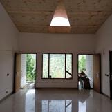 Ceiling & flooring - Living room.