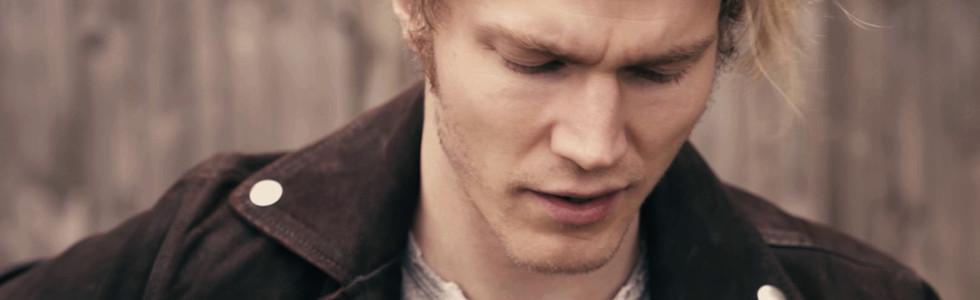Lauri Yrjölä - Sun Vieressä Music Video