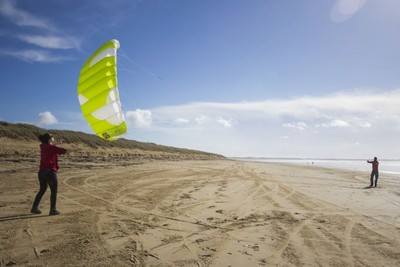 Beginner Kitesurf Lessons, Worthing, Near Brighton