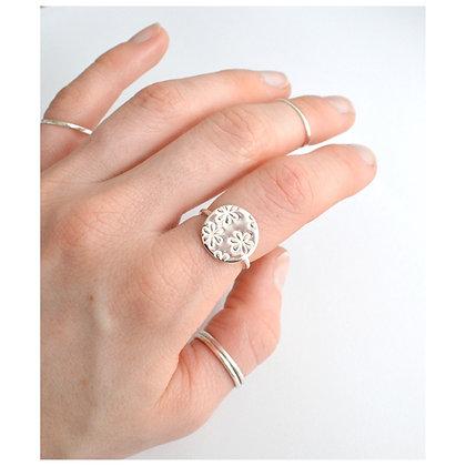 Daisy Circle Ring