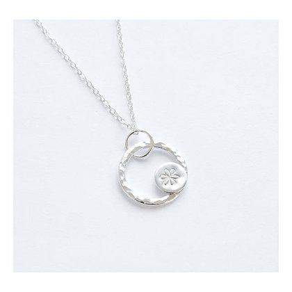 Daisy Circle Pendant
