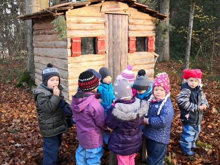 s`Chlausehüsli im Pfaffennasen-Wald