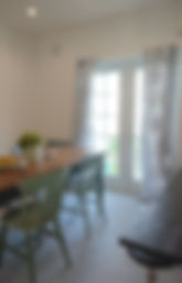 黄色 白黒タイル パグ 黒 オーガニック 倉敷インターナショナル