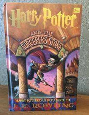 Harry Potter Indonesian 1st Edition Hard Cover Philosopher' Stone Harry Potter dan Batu Bertuah Book 1