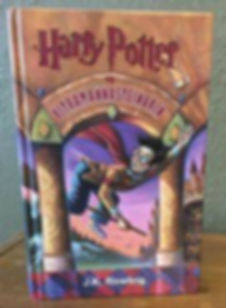 Harry Potter and the Philosopher's Stone read in Faroese