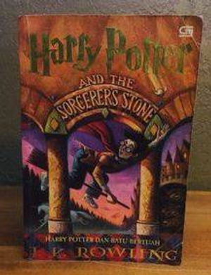 Harry Potter Indonesian 1st Edition Softcove Philosopher's Stone, Harry Potter dan Batu Bertuah Book 1