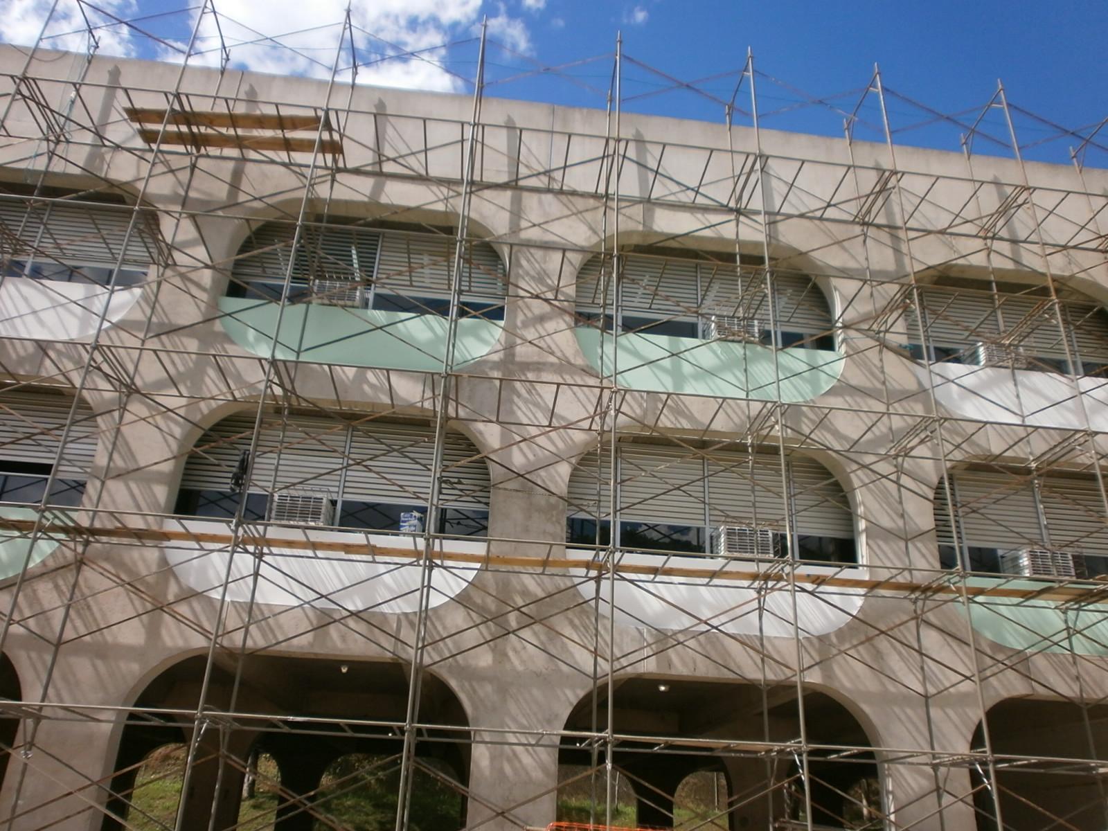 Auxílio em grandes e altas fachadas