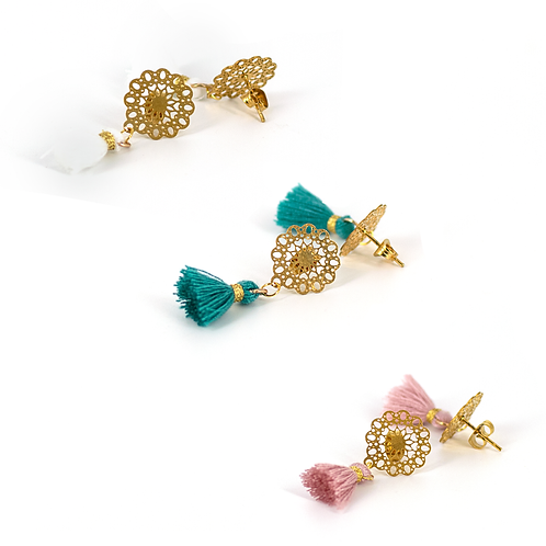 Orecchini gold bohemien con nappine colorate stile ibiza