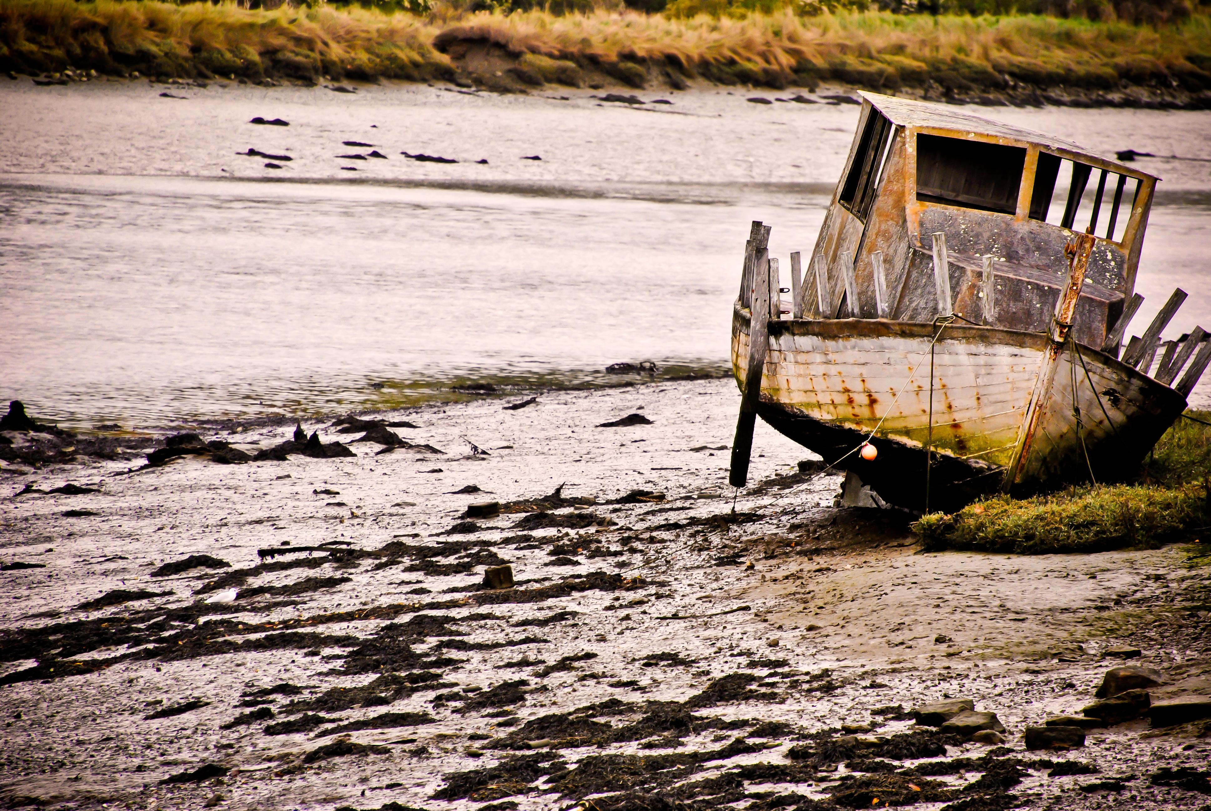 Le bateau sur la rive