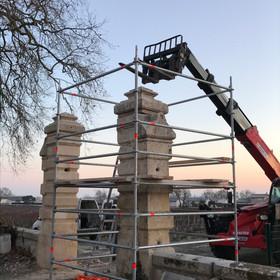 Re-building Manoir Saussus' Pillars