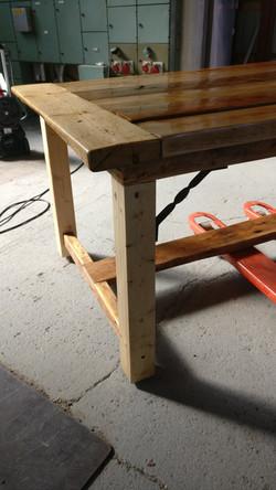 Terassin pöytä