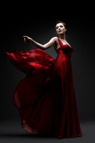 Lady_red_dark_rgb.jpg