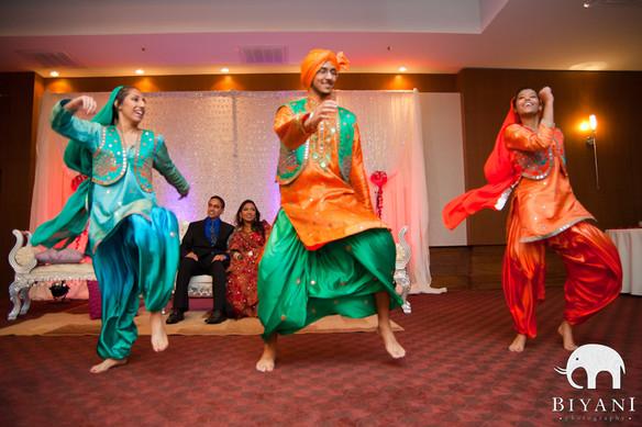 Bhangra+Dancers.jpg