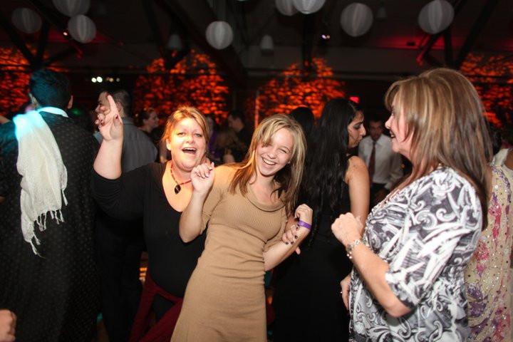 wedding+planners+dancing+misha.jpg