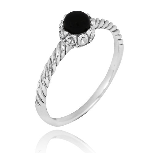 [NRB7355-BKON] Round Shape Black Onyx Solitaire Ring