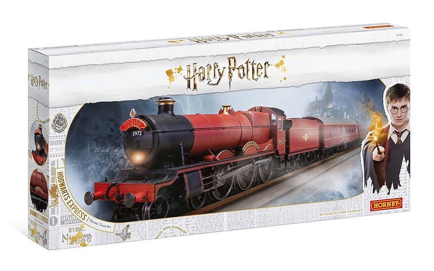 Hogwarts Express Train Set - CLICK & COLLECT ONLY
