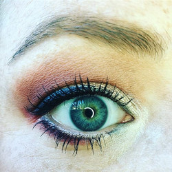 Changing eyes! Love the red based shadows! #northvillestylist #eyemakeup #makeupartist #softbrows #e