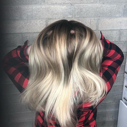 Rooted for the New Years!! #balayagehighlights #balayagespecialist #blondehair #californiadreamin #m