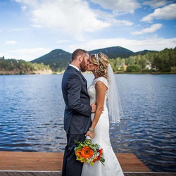#weddinghair #beauty #weddingseasons #bride #brideandgroom #beard #onlocation #onlocationhairandmake