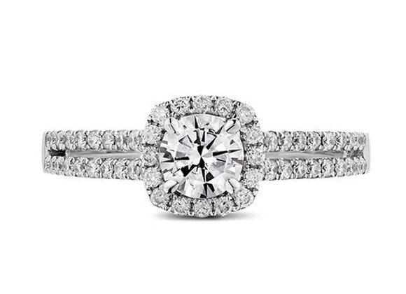 Round Cut Halo Diamond Ring