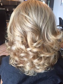 blond highlights blowout style