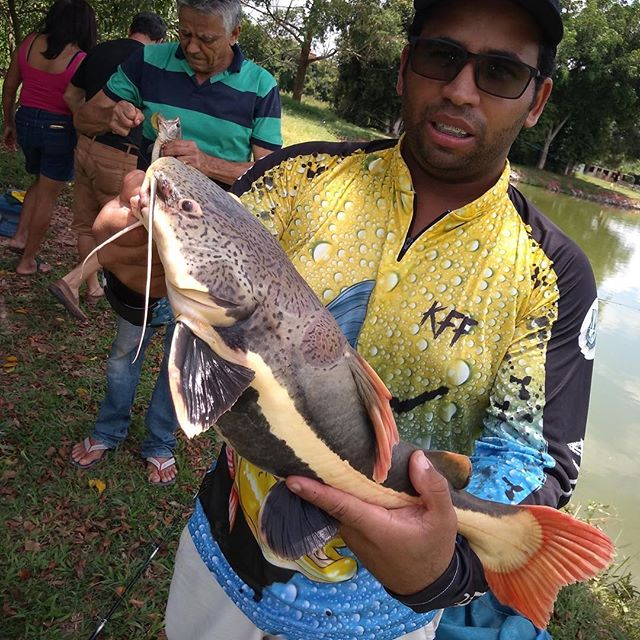 Pescador_ Douglas_Isca_ Salsicha 🎣👏🏻.
