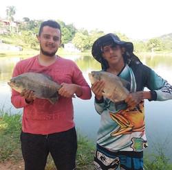 Pescadores_ Jessé e Lucas_Isca_ Ração na