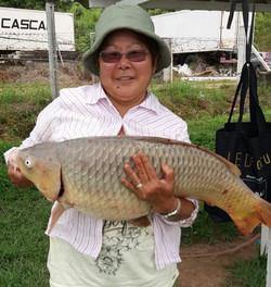 Pescadora Dna Amelia_Isca_ salsicha_Pego
