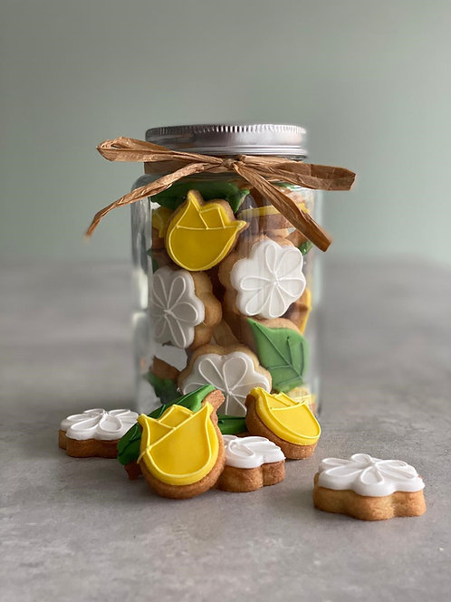 The 'Daffs and Daisy's' Jar