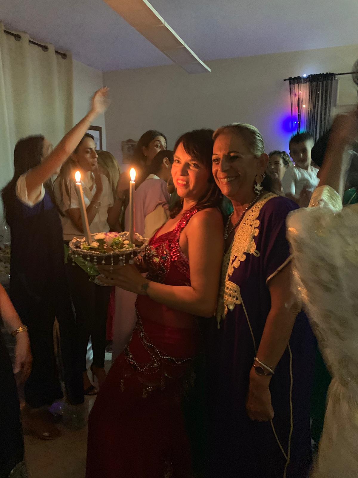 רוקדות במסיבת חינה מרגשת עם מיה טולד