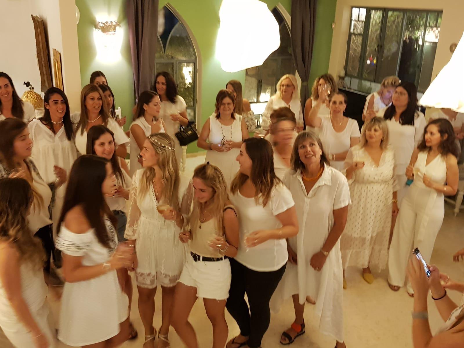 מסיבת מקווה עם מיה טולדנו הרקדנית