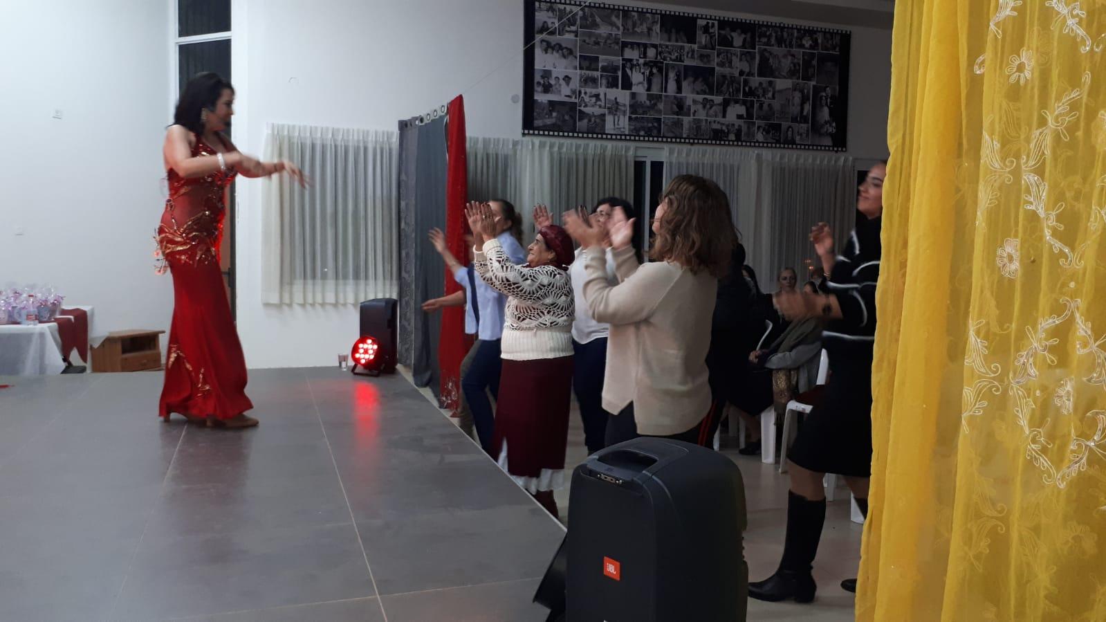מיה טולדנו סטנד אפ לנשים