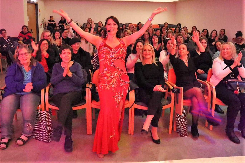 מיה טולדנו מופע מקורי ליום האישה