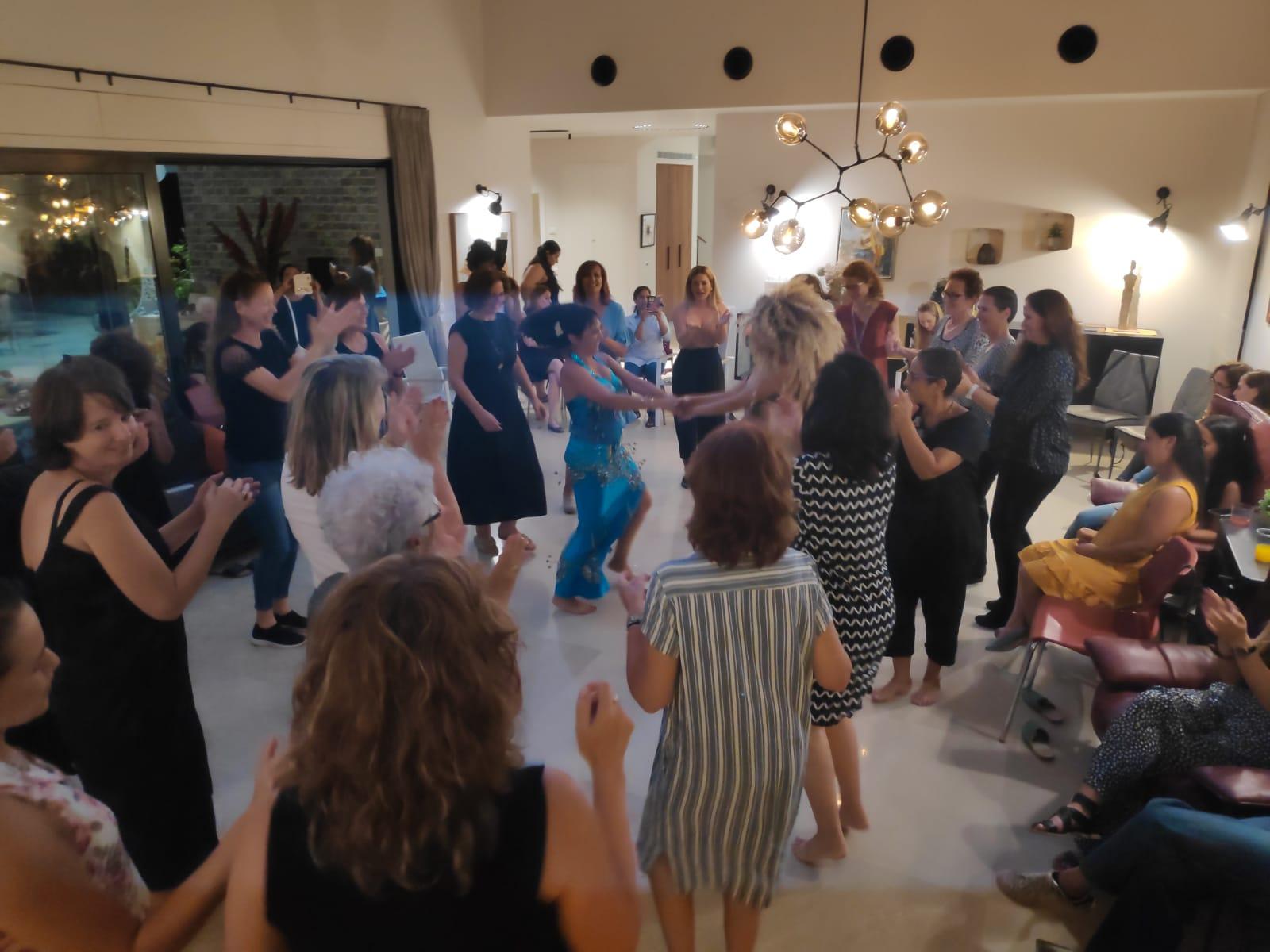 מסיבת חינה מושקעת עם מיה טולדנו