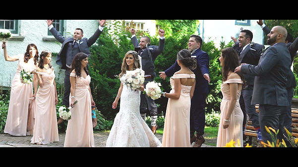 The whole bridal party having fun during the photoshoot at Adamson Estates.