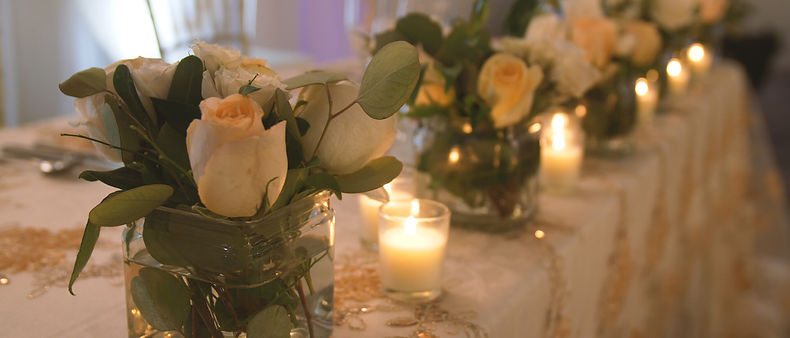 Beautiful flower details at the wedding's reception